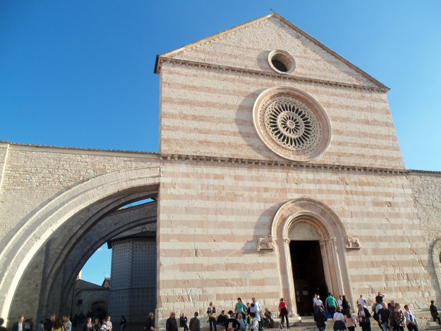 Basilica-Clare-Assisi-2019