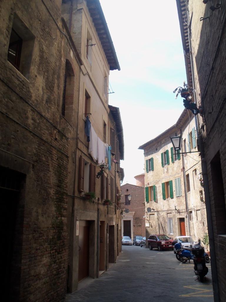 Siena-Street-2018